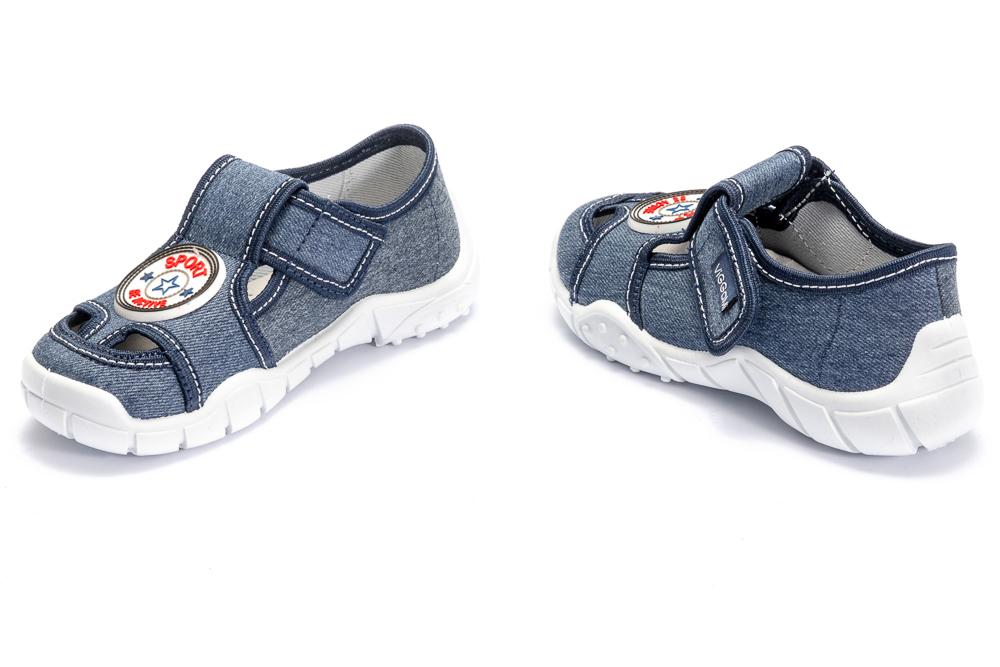 VIGGAMI ADAŚ SPORT jeans, kapcie dziecięce, rozmiary: 26-30, sklep internetowy e-kobi.pl
